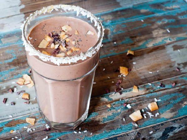 Cómo se hace la receta de batido de coco y chocolate