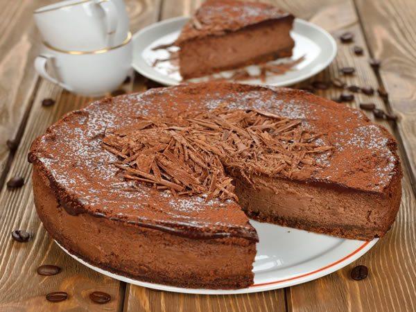 Receta de tarta esponjosa de chocolate